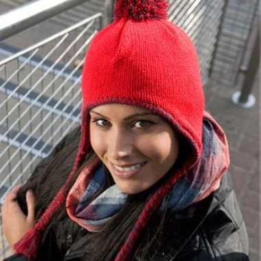Rode Inca winter dames muts met touwtjes
